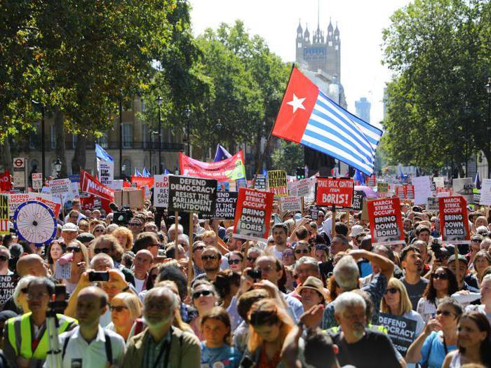 Stopthecoup. Gli inglesi protestano contro Boris Johnson (non solo a Londra)