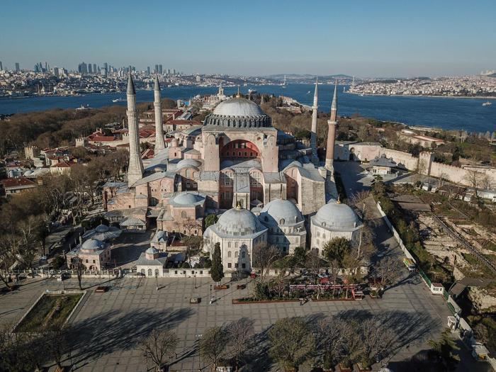 Turchia, Santa Sofia tornerà moschea