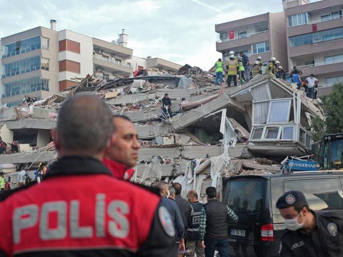 Violento sisma in Grecia e Turchia