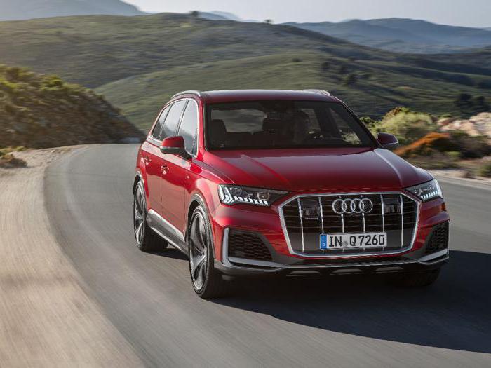 Audi Q7, le foto della versione ibrida plug-in