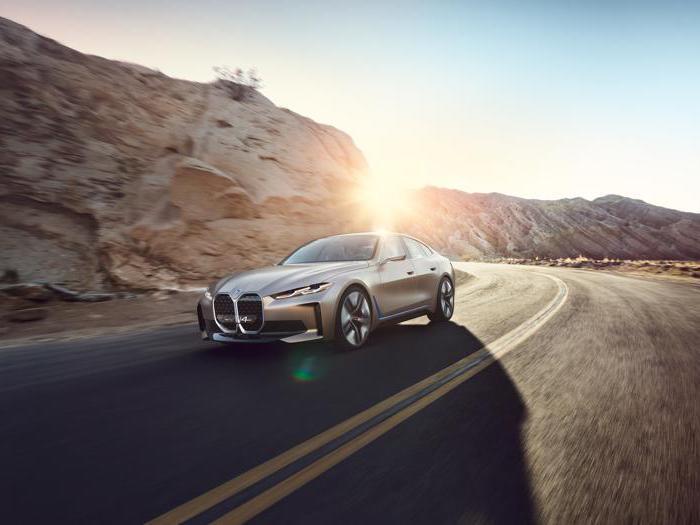 Bmw i4, la sportiva tedesca che sfida Tesla