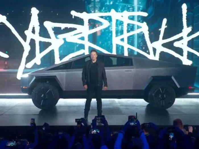 Tesla Cybertruck, tutte le foto del pick-up elettrico di Elon Musk