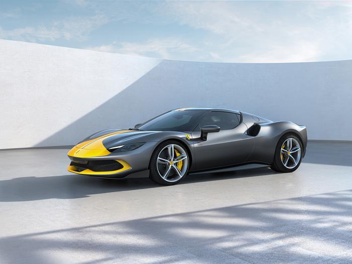Ferrari 296 GTB, tutte le foto della nuova V6