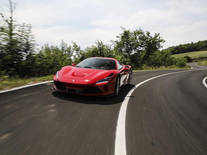 Ferrari F8 Tributo, le foto in strada della nuova V8