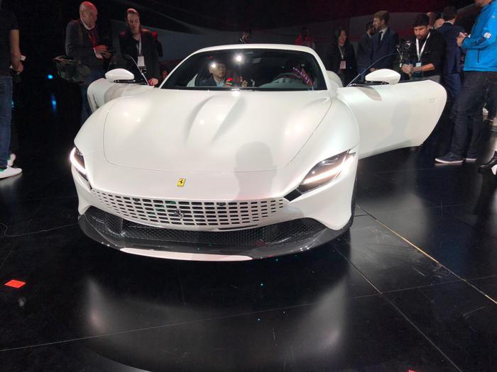 Ferrari Roma, il debutto della nuova coupé del Cavallino