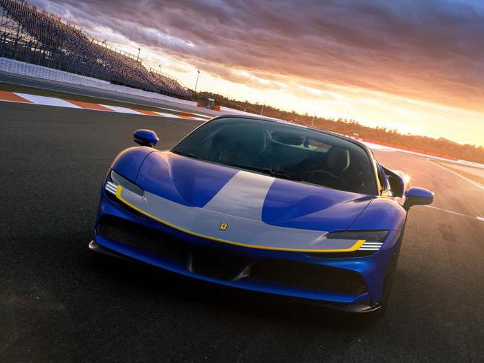 Ferrari SF90 Spider, tutte le foto della cabrio ibrida da 1000 cavalli