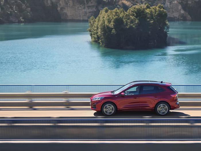 Ford Kuga, tutte le foto della nuova generazione 2020