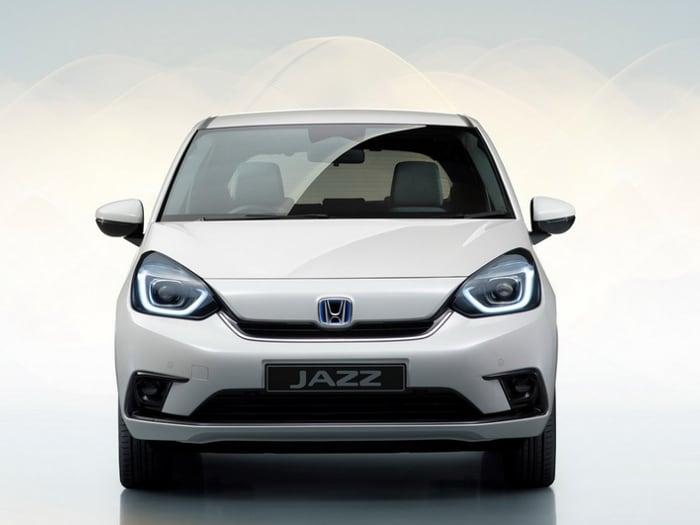 Honda Jazz, la nuova multispazio è solo ibrida e anche crossover