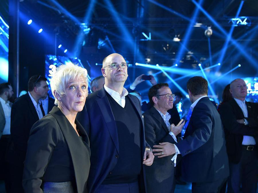 Annalisa Stupenengo presidente power traning FPA e Hubertus Muhlouser CEO CNH durante la serata di presentazione dei nuovi veicoli presso le OGR, Torino, 2 Dicembre 2019 ANSA/ ALESSANDRO DI MARCO