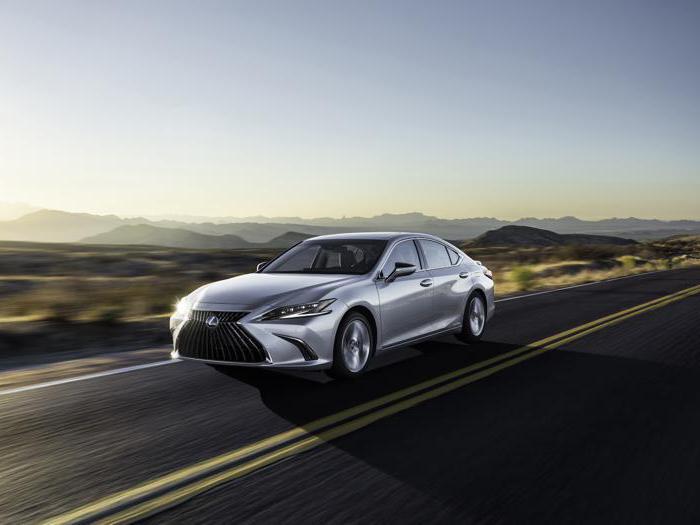 Lexus Es, le foto dell'edizione 2021