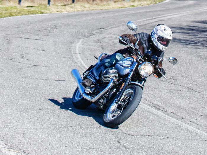 Moto Guzzi V7, tutte le foto della nuova edizione