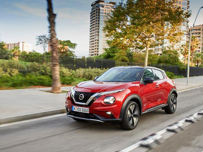 Nuovo Nissan Juke, tutte le foto del debutto in strada