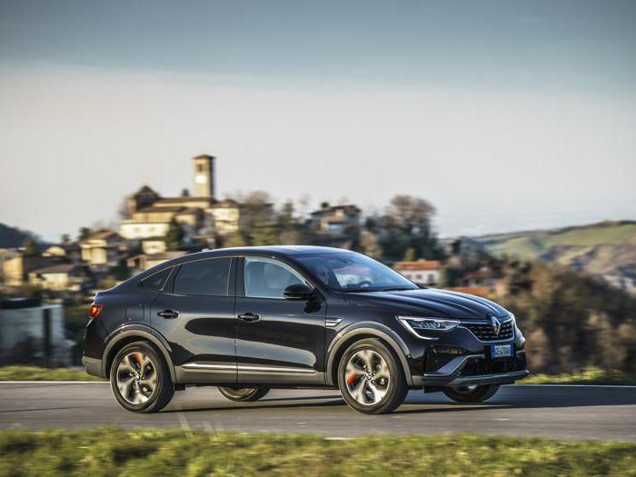 Renault Arkana, tutte le foto del suv coupé