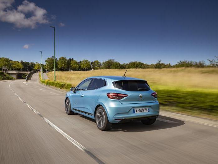 Renault Clio E-Tech, tutte le foto della full-hybrid