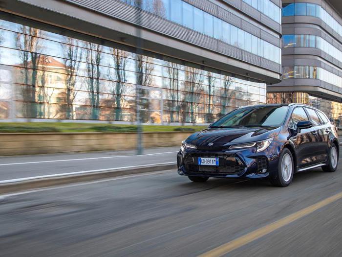 Suzuki Swace Hybrid, le foto della prova
