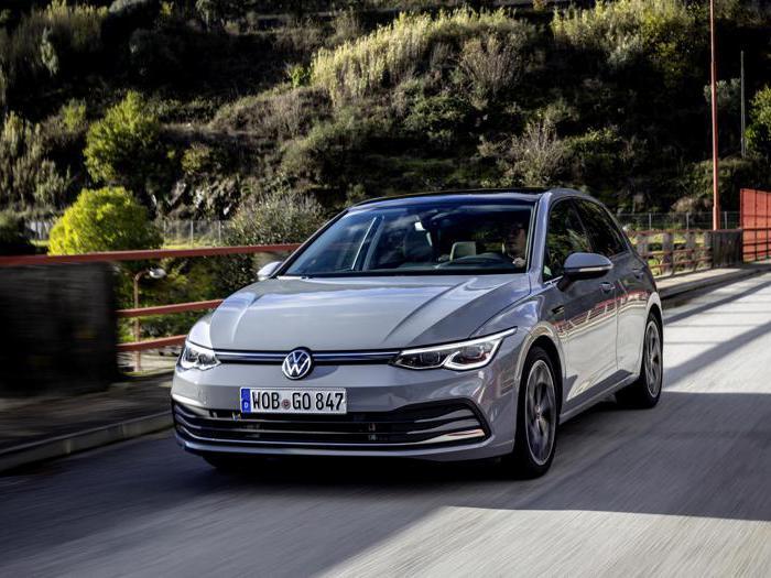 Volkswagen Golf 8, tutte le foto della prova su strada