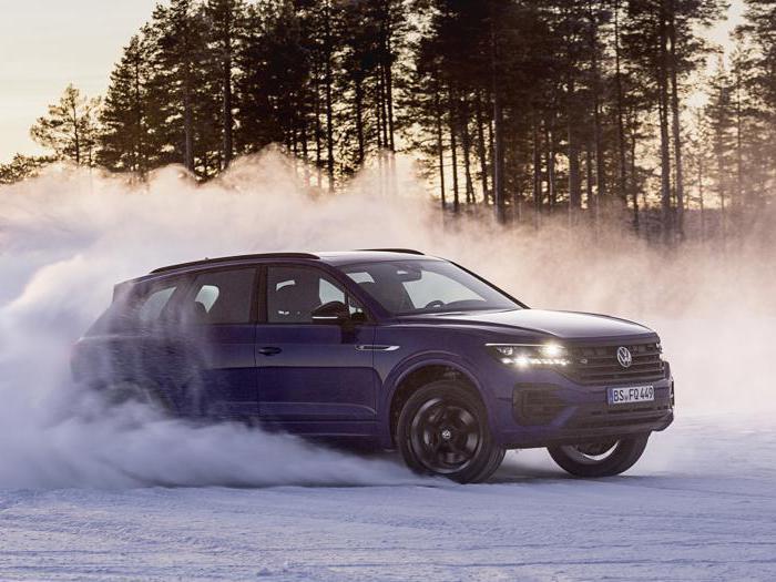 Volkswagen Touareg R, arriva il maxi suv ibrido ricaricabile