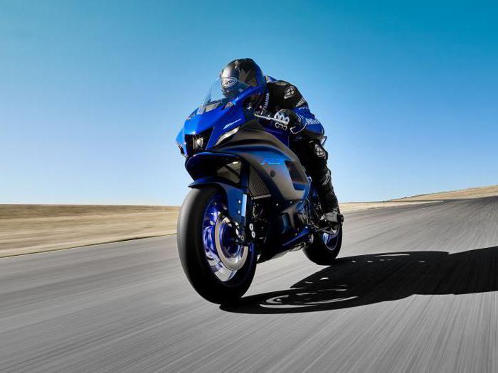 Yamaha R7, tutte le foto