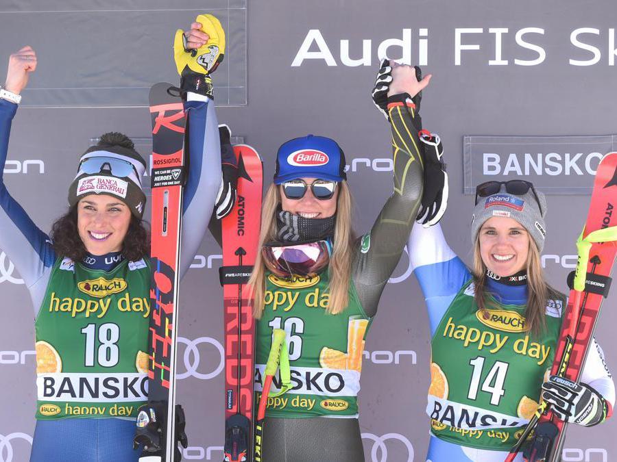 Mikaela Shiffrin, Usa (al centro), Frederica Brignone  (a sinistra) e Joana Haehlen, Svizzera (NIKOLAY DOYCHINOV / AFP)