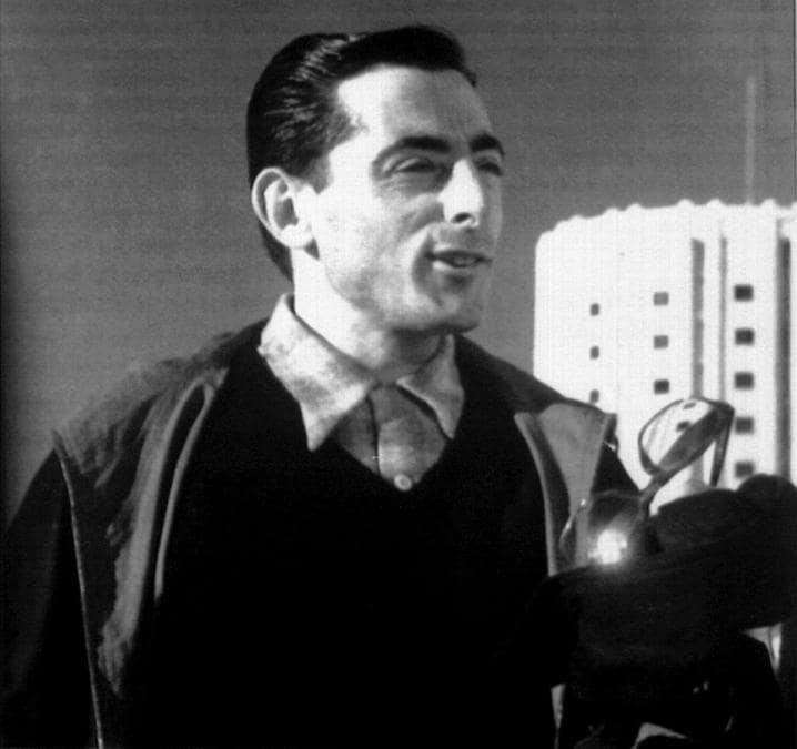 Fausto Coppi in un' immagine d'archivio del 1952 al Sestriere  (ANSA)