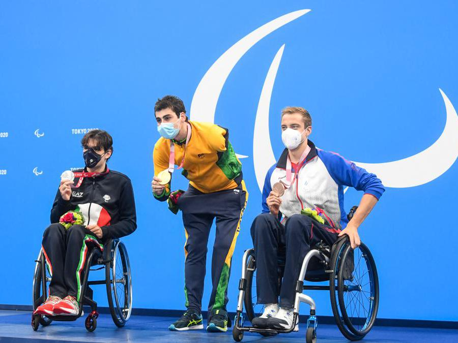 Nuoto, 400 metri stile libero S6. Da sinistra: Antonio Fantin, medaglia d'argento,  Talisson Henrique Glock (Brasile), medaglia d'oro e la medaglia di bronzo,  Viacheslav Lenskii (Russia).  (Photo by Ilya Pitalev / Sputnik / Sputnik via AFP)