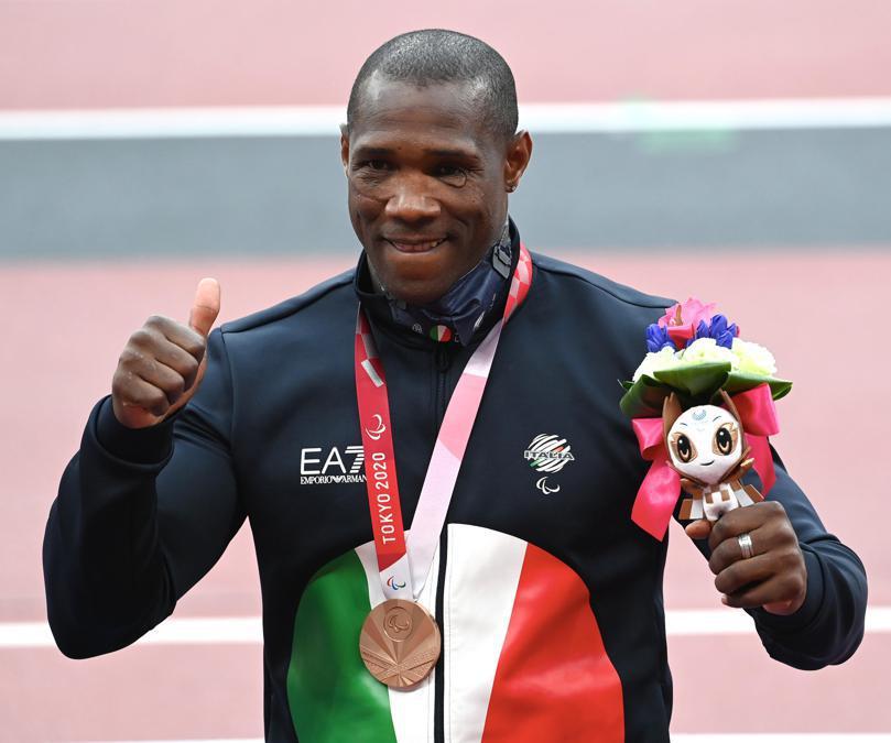 Oney Tapia, medaglia di bronzo  nel lancio del disco F11 (atleti ipovedenti) alle Paralimpiadi di Tokyo, 2 settembre 2021. (Ansa/Augusto Bizzi/CIP)