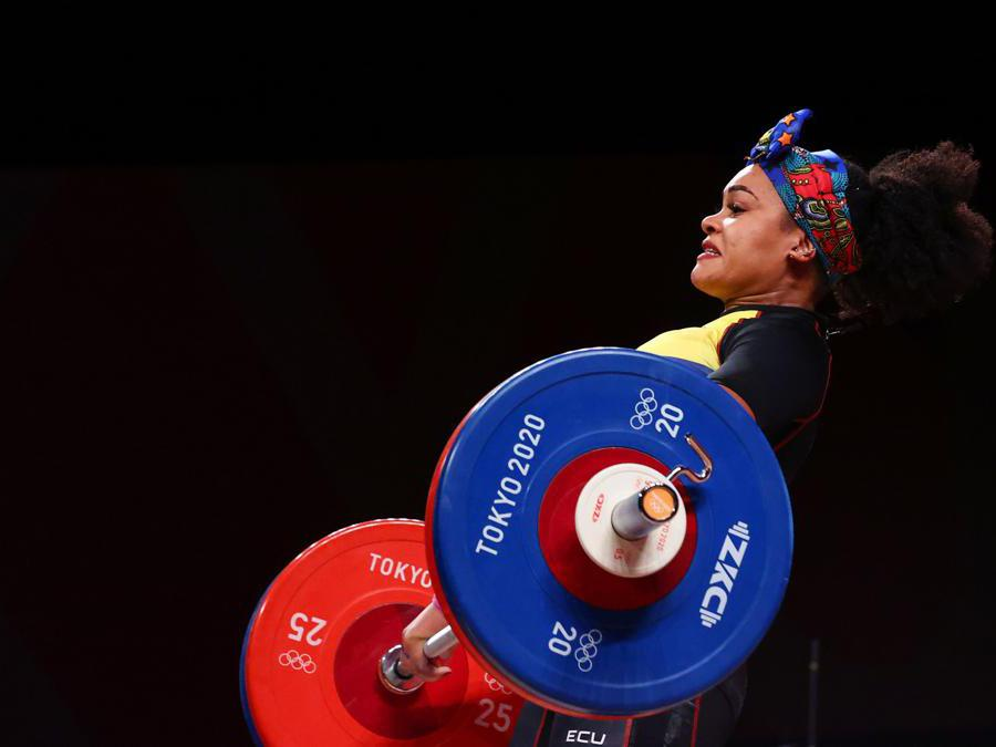 Sollevamento pesi donne 76kg: l'equadoriana Neisi Dajome (Reuters/Edgard Garrido)