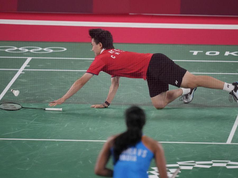 Badminton singolo donne: la cinese  He Bing Jiao contro l'indiana  Pusarla V. Sindhu (Ap Photo/Dita Alangkara)