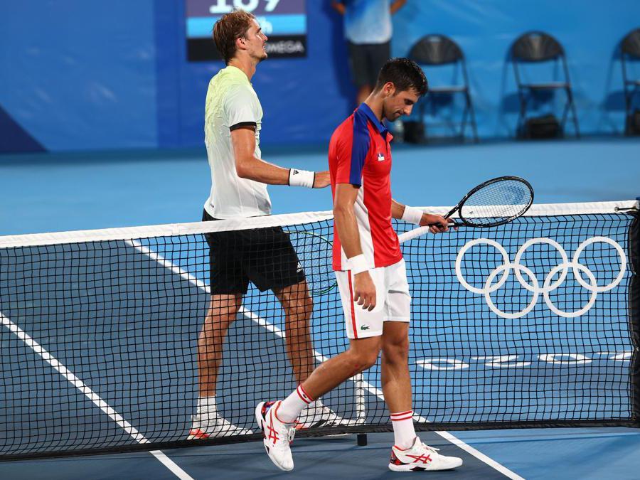 Tennis, semifinale singolare maschile-  il tedesco Alexander Zverev batte  Novak Djokovic oh REUTERS/Mike Segar