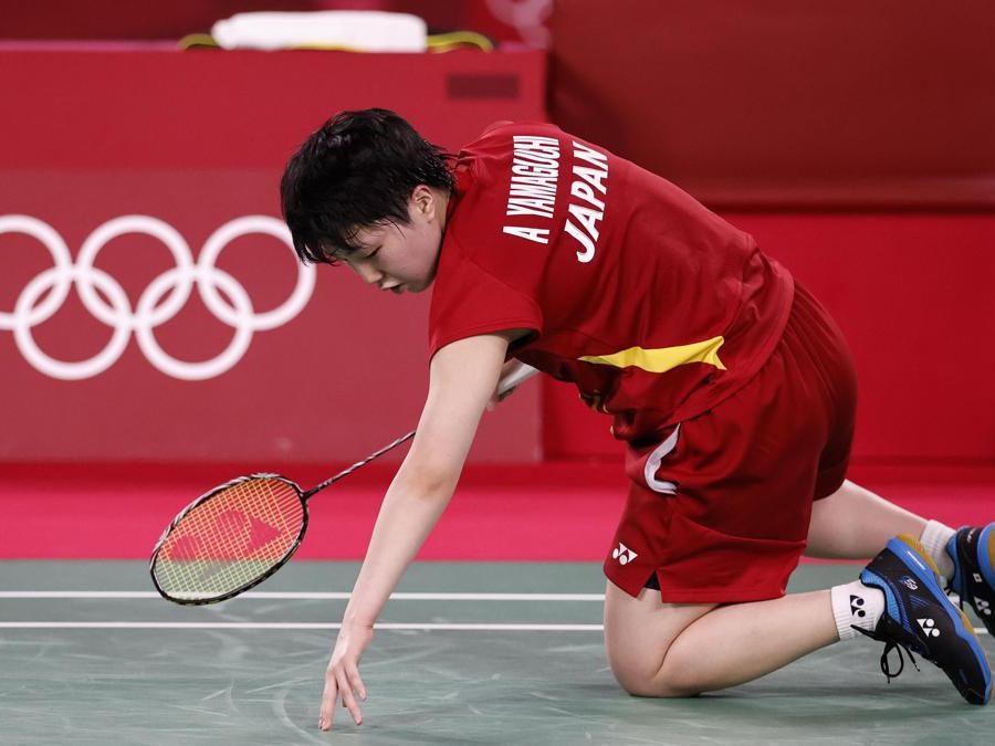 Il giapponese Akane Yamaguchi durante i quarti di finale di badminton contro l'indiano P. V. Sindhu  EPA/MAST IRHAM