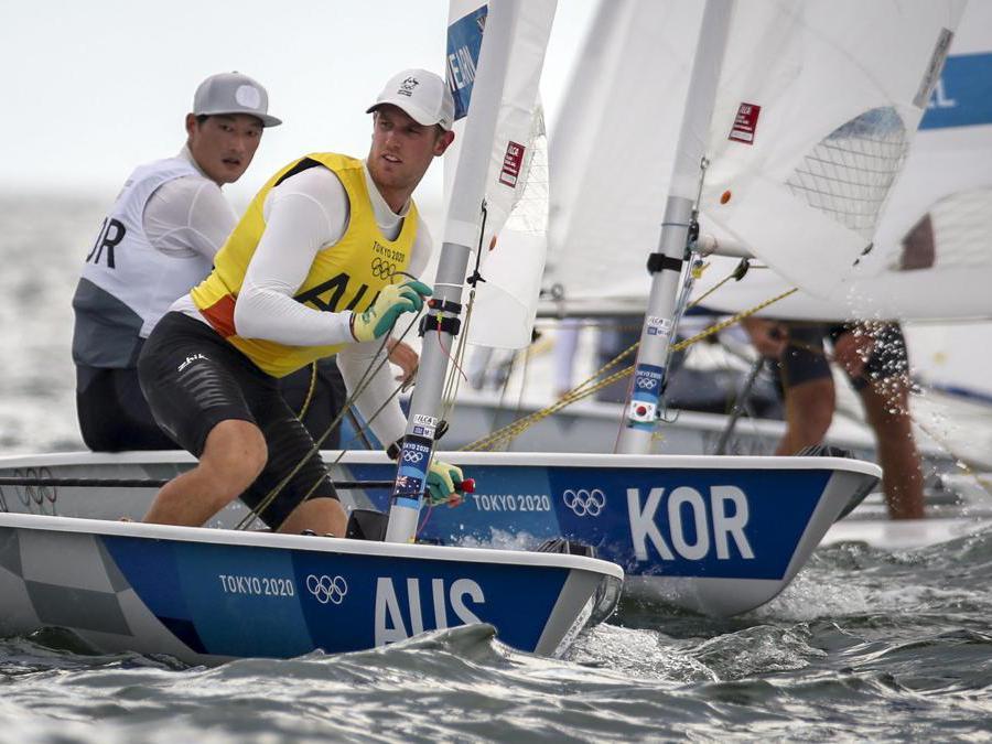 L'australiano  Matt Wearn gareggia nella categoria Laseri EPA/OLIVIER HOSLET