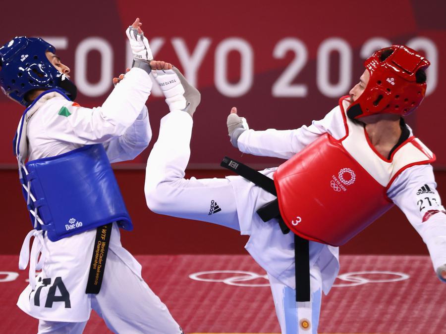 Semifinale maschile di Taekwondo, peso 58 Kg, da sinistra l'italiano Vito Dell'aquila opposto all'argentino Lucas Guzman (REUTERS/Murad Sezer)