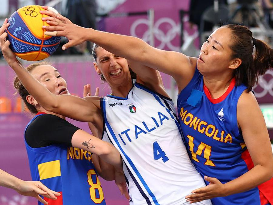 Basket femminile, incontro tra Iytalia e Mongolia. Nella foto l'italiana Giulia Rulli (REUTERS/Andrew Boyers)