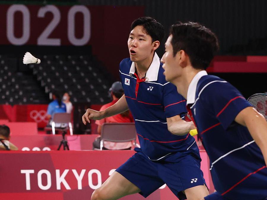 I sudcoreani Choi Sol-Gyu e Seo Seung-Jae durante il match contro l'Indonesia (Reuters/Leonhard Foeger)