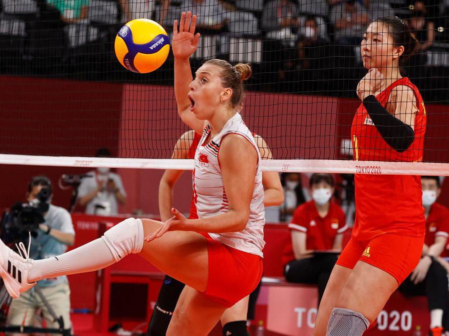 Volley femminile, Cina-Turchia (REUTERS/Valentyn Ogirenko)