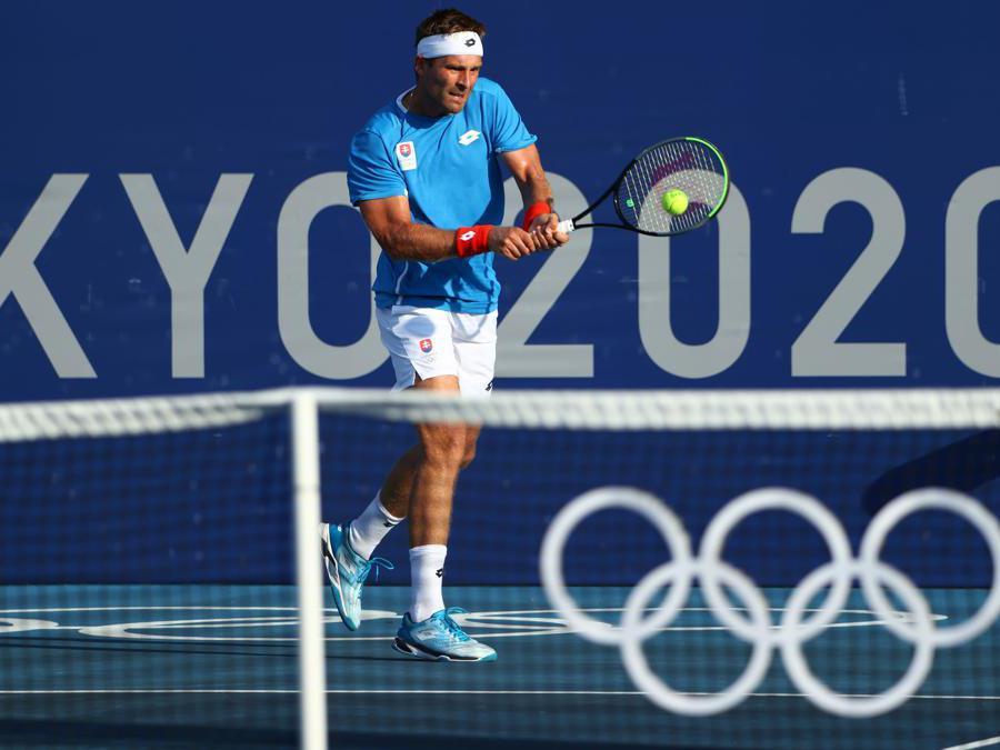 Tennis, singolare maschile, lo slovacco Norbert Gombos onel match contro lo statunitense  Marcos Giron (REUTERS/Mike Segar)
