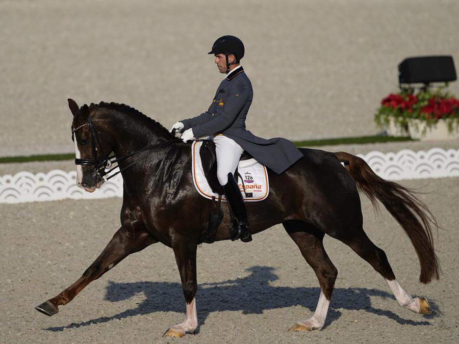Lo spagnolo Severo Jurado Lopezm su Fendi T durante la gara di dressage (AP Photo/Carolyn Kaster)