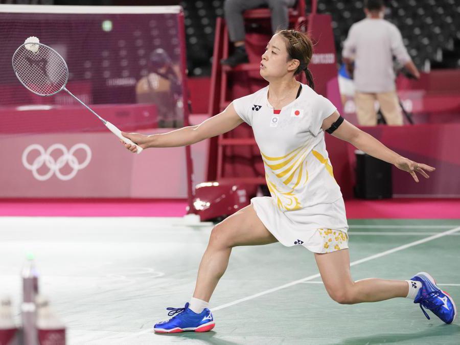 Badminton femminile: la giapponese  Nozomi Okuhara contro la russa  Evgeniya Kosetskaya  (Ap Photo/Dita Alangkara)