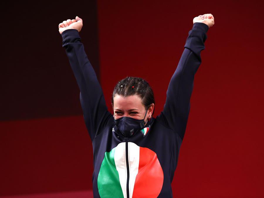 Giorgia Bordignon, argento nel sollevamento pesi, sul podio (REUTERS/Edgard Garrido)