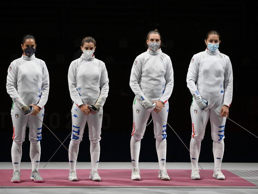 La squadra femminile di spada in pedana per l'incontro con la Cina (Alfredo Falcone - LaPresse)