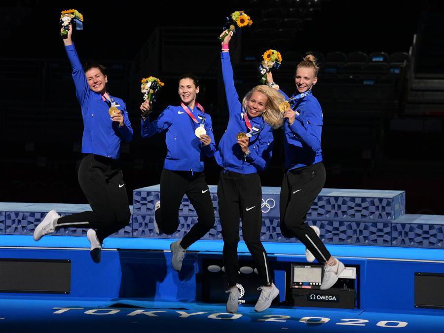 L'Estonia si aggiudica l'oro nella spada a squadra. L'esultanza delle atlete ( Alfredo Falcone - LaPresse)