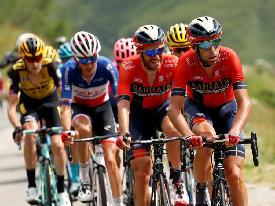 Vincenzo Nibali  e Damiano Caruso  guidano il gruppo di fuga sul Col de l'Iseran (REUTERS/Christian Hartmann)