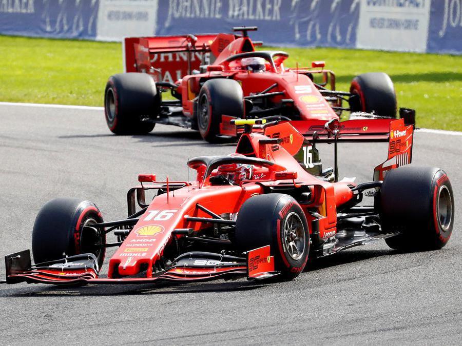 Le due Ferrari di  Charles Leclerc e Sebastian Vettel (REUTERS/Francois Lenoir)