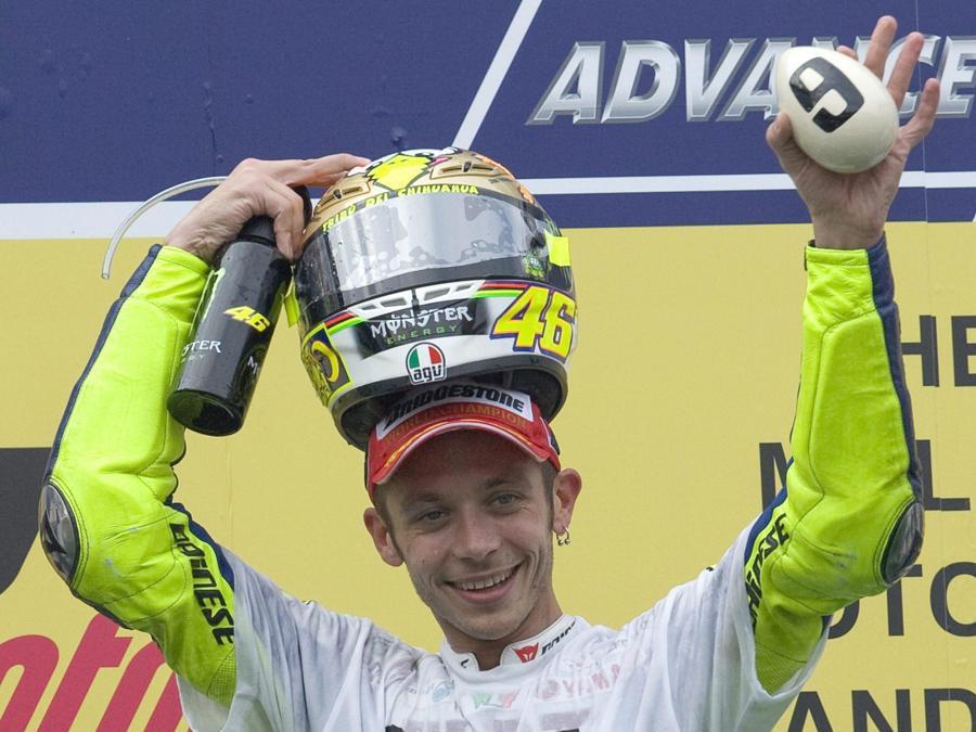 Il 25 ottobre 2009, Valentino Rossi regala ancora un titolo alla Yamaha (Ahmad Yusni)