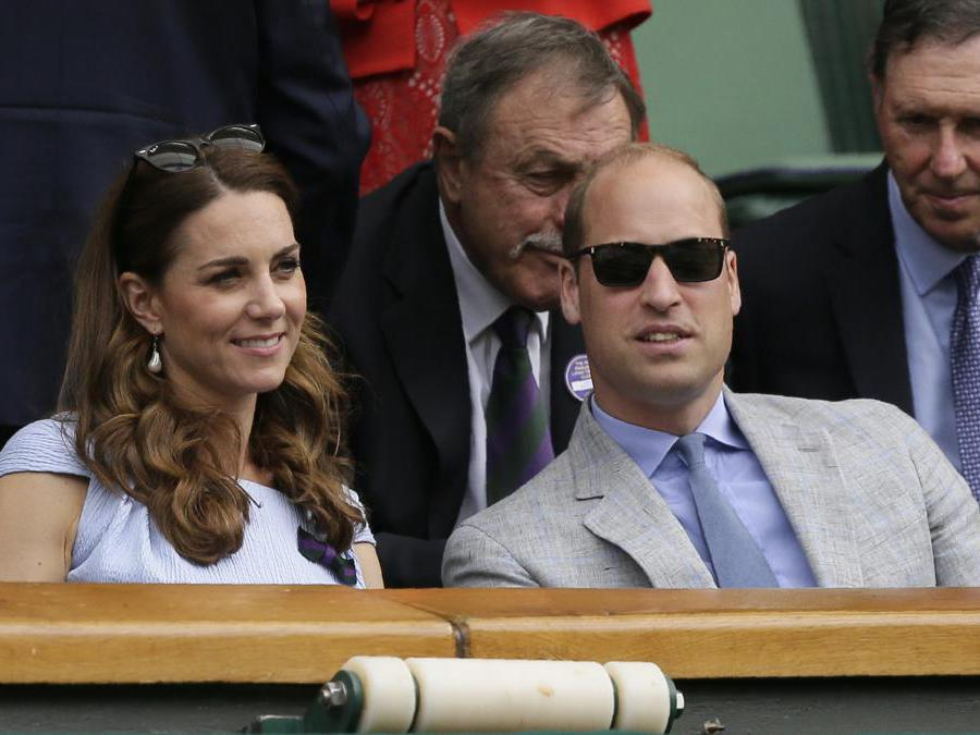 Kate e William alla finale di Wimbledon. (AP Photo/Tim Ireland)