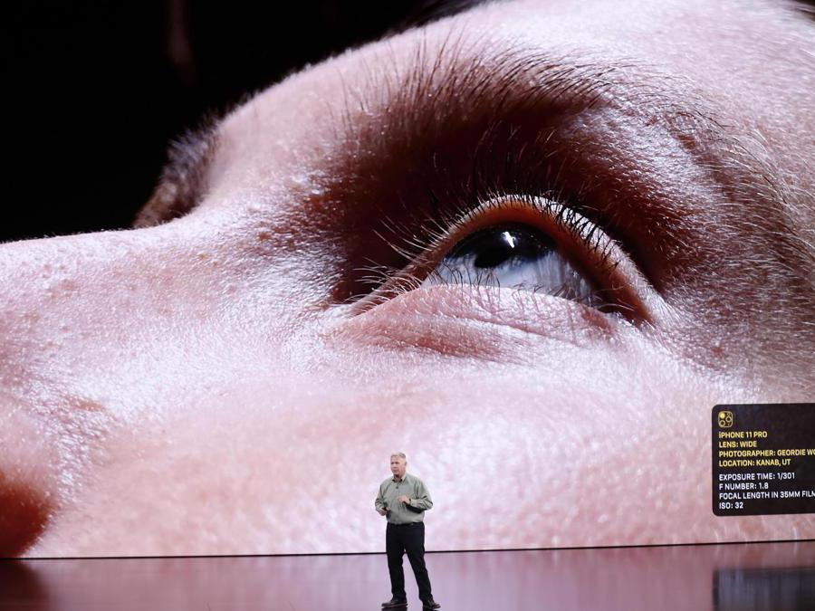 epa07833214 Apple Senior VP of Worldwide Marketing Phil Schiller speaks about the iPhone 11 Pro during the Apple Special Event in the Steve Jobs Theater at Apple Park in Cupertino, California, USA, 10 September 2019. EPA/JOHN G. MABANGLO
