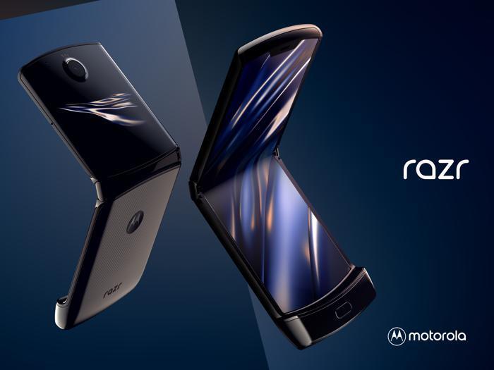 Motorola razr, le foto del nuovo smartphone flessibile
