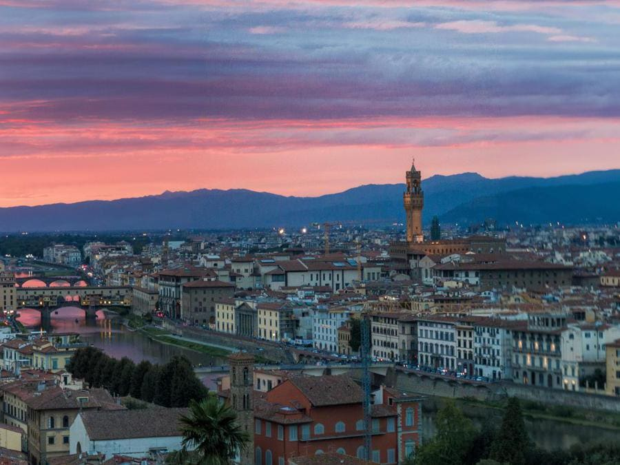 Piazzale Michelangelo, Firenze. Italia. (Common Wikimedia)