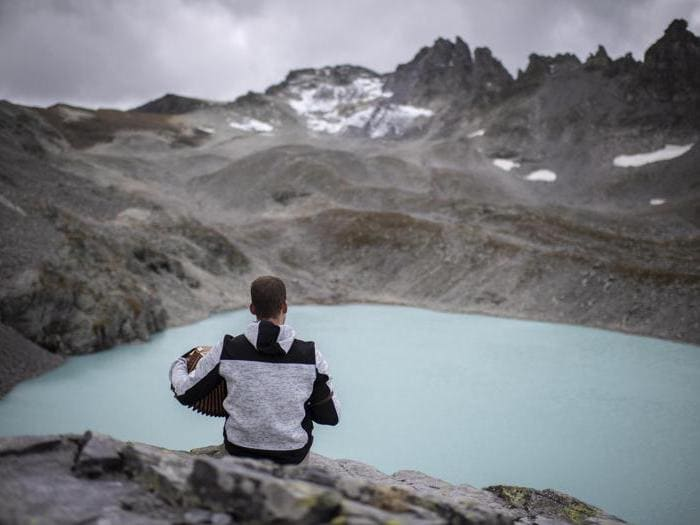 In Svizzera il funerale del ghiacciaio