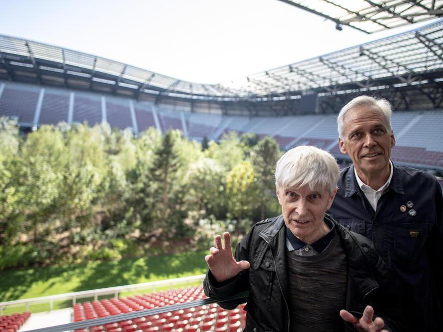 L'artista svizzero Klaus Littmann e l'artista austriaco Max Peintner EPA/CHRISTIAN BRUNA